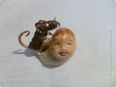 Всем привет из Питера! Хочу показать фигурку мальчика с крыской - Вата - 12.5 см. Личико самозастывающая глина, акварель в технике смыва. Фигурка на каркасе, цельная - по технологии наращивания ватных слоев. Крыска сделана из шпагата, поэтому она коричневая! фото 6