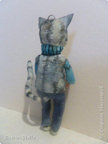 Всем привет из Питера! Хочу показать фигурку мальчика с крыской - Вата - 12.5 см. Личико самозастывающая глина, акварель в технике смыва. Фигурка на каркасе, цельная - по технологии наращивания ватных слоев. Крыска сделана из шпагата, поэтому она коричневая! фото 8