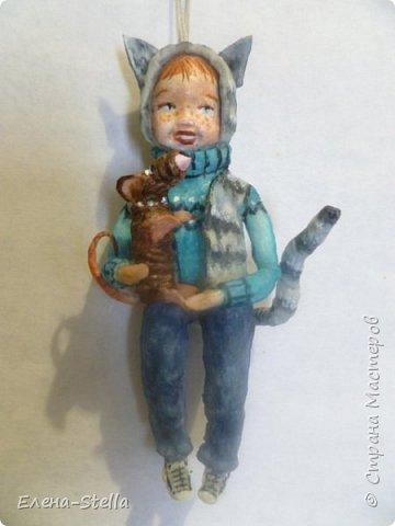 Всем привет из Питера! Хочу показать фигурку мальчика с крыской - Вата - 12.5 см. Личико самозастывающая глина, акварель в технике смыва. Фигурка на каркасе, цельная - по технологии наращивания ватных слоев. Крыска сделана из шпагата, поэтому она коричневая! фото 1