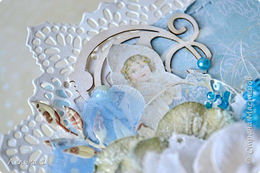 Открытка с первоцветами мускари (мышинный гиацинт), начинают нас радовать своим цветением уже в апреле))). Цветы мускари я сделала из бисера. Вот такая легкая и нежная получилась открыточка. фото 4