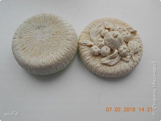 Шкатулки(баночка из-под крема),панно-основа гипс,материал сол.тесто. фото 2