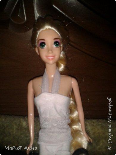 Ещё раз ПРИВЕТ!Вообщем,это моя кукла.Это Рапунцель.Рапунцель-моя любимая принцесса Дисней.Приобрела я её совсем недавно,где то три-две недели назад.И да,не обращайте внимание на волосы,-просто...эээ...ну я сама не знаю что с ними. фото 3