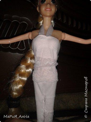 Ещё раз ПРИВЕТ!Вообщем,это моя кукла.Это Рапунцель.Рапунцель-моя любимая принцесса Дисней.Приобрела я её совсем недавно,где то три-две недели назад.И да,не обращайте внимание на волосы,-просто...эээ...ну я сама не знаю что с ними. фото 4