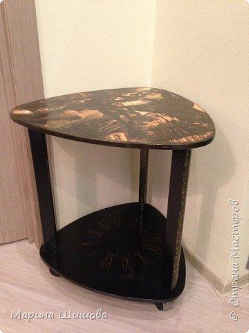 Был у меня старый столик, долго думала, что с ним сделать, как задекорировать и вот получилось очедное творение.  фото 3