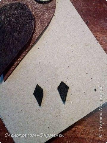 Приветствую всех жителей Страны Мастеров! Продолжаю публиковать мастер-классы по изготовлению и оформлению обложек из кожи. Начало и продолжение здесь - http://stranamasterov.ru/node/996520, http://stranamasterov.ru/node/1000478. В данном МК расскажу о том, как сделать обложку с аппликацией. фото 10