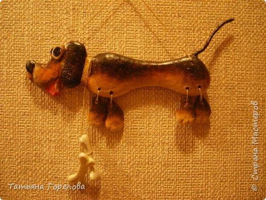 """По идее мастера К.О.В., сделавшей такую собачку из соленого теста, я попробовала ее выполнить из массы папье-маше на картонной основе . Ребенок попросил """"Хочу такую"""". фото 2"""