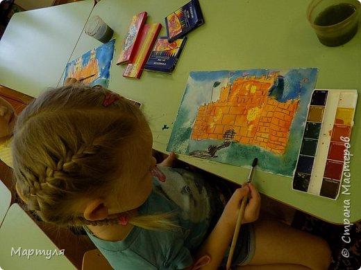 Рисовали замок с детьми. Это образец. фото 5
