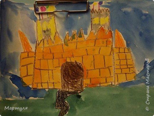 Рисовали замок с детьми. Это образец. фото 10