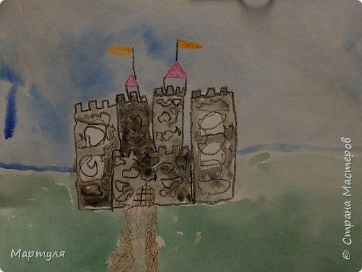 Рисовали замок с детьми. Это образец. фото 11