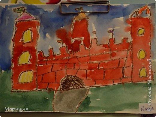 Рисовали замок с детьми. Это образец. фото 14
