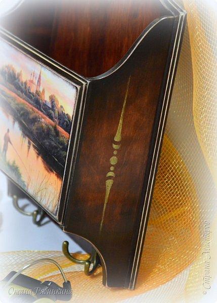 """Всем привет! Начало года выдалось продуктивным. Результаты моего творчества за январь и начало февраля сегодня хочу показать.  Первая работа- сервировочный столик """"Ноктюрн"""". Давно ждала в моих закромах своего часа эта дивная заготовка. Дождалась... Уж и нарисовалась я тут  вдоволь! Вернее, натонировалась) Проморила столик миксом водных морилок до получения нужного мне оттенка древесины, а потом выделила края акрилом, создавая плавные переходы и темный край.  фото 22"""