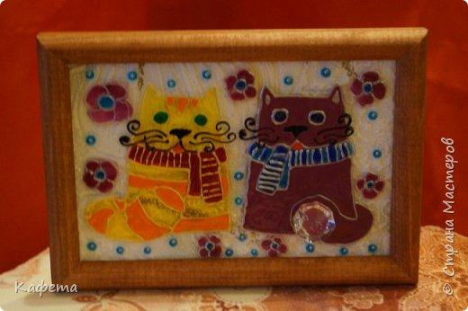 """Такие маленькие подарочки картиночки приготовила  своим девочкам коллегам.  Они по своему очень символичны. Кошка символ семейного счастья и благополучия. А кристалл внизу картины - это """"хрустальный"""" многогранник - несет владельцу душевное спокойствие и умиротворение, открывает различные  жизненные и творческие грани.  фото 3"""