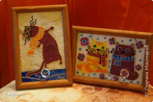 """Такие маленькие подарочки картиночки приготовила  своим девочкам коллегам.  Они по своему очень символичны. Кошка символ семейного счастья и благополучия. А кристалл внизу картины - это """"хрустальный"""" многогранник - несет владельцу душевное спокойствие и умиротворение, открывает различные  жизненные и творческие грани.  фото 1"""