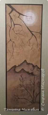 Люблю интерьеры в японском стиле. Решила и в свой интерьер внести немного японии :-)  Рисунок сделан акриловой краской для потолка . Краска при высыхании становится бархатистой и создает эффект ткани .На фото не видно:((