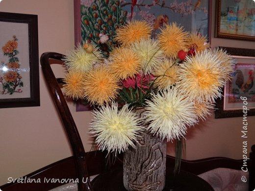 букет из хризантем, сделан из бумажных  салфеток фото 1