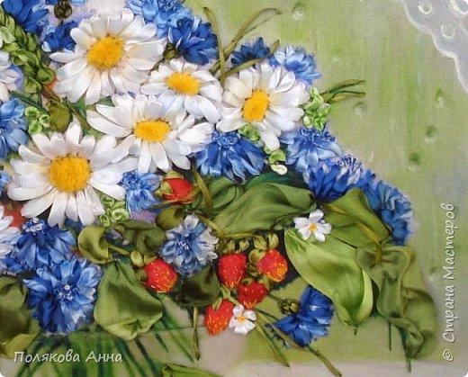 Вышивка по картине Натальи Шайкиной. Принт 28х21см. Использовала ленты из натурального и искусственного шелка. Ваза покрыта несколькими слоями 3D-геля. фото 3