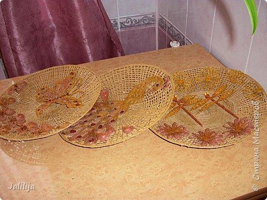 Всё что нужно для покраски: клей ПВА, краски (колер для малярных работ), кисточка, маленькие посудинки, вода.  фото 16