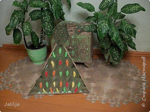 Всё что нужно для покраски: клей ПВА, краски (колер для малярных работ), кисточка, маленькие посудинки, вода.  фото 19