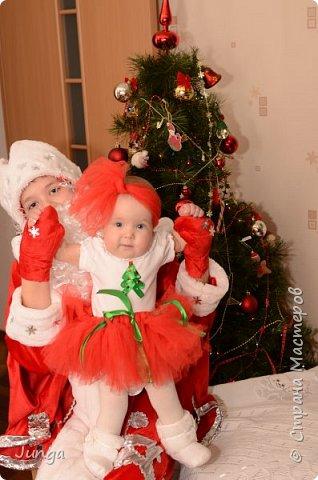 Наша маленькая Снегурочка со старшим братом- Дедом морозом) фото 1