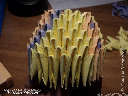 Расцветка необычная, потому что сделан из остатков модулей. Желтые модули 1/32 А 4 - 621 Фиолетовые 1/32 А 4 - 96 1/64 А 4 - 50 Бежевые 1/32 А 4 -145 1/64 А 4 - 41 Модули размером 1/64 А 4 идут на хвост, щечки, подбородок, ушки. фото 9