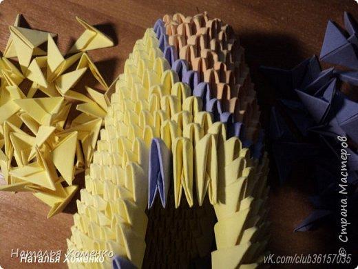 Расцветка необычная, потому что сделан из остатков модулей. Желтые модули 1/32 А 4 - 621 Фиолетовые 1/32 А 4 - 96 1/64 А 4 - 50 Бежевые 1/32 А 4 -145 1/64 А 4 - 41 Модули размером 1/64 А 4 идут на хвост, щечки, подбородок, ушки. фото 39