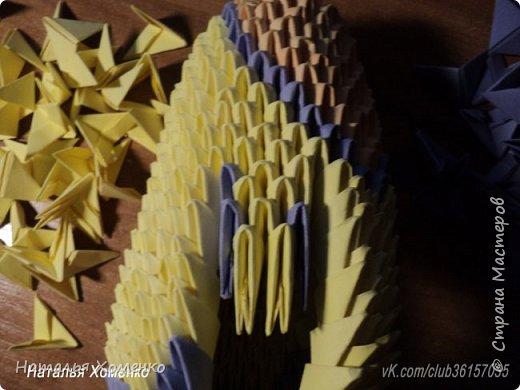 Расцветка необычная, потому что сделан из остатков модулей. Желтые модули 1/32 А 4 - 621 Фиолетовые 1/32 А 4 - 96 1/64 А 4 - 50 Бежевые 1/32 А 4 -145 1/64 А 4 - 41 Модули размером 1/64 А 4 идут на хвост, щечки, подбородок, ушки. фото 40