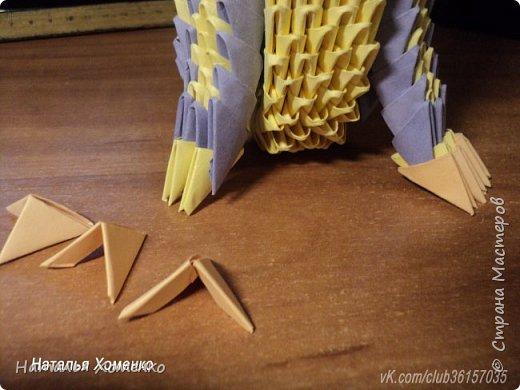 Расцветка необычная, потому что сделан из остатков модулей. Желтые модули 1/32 А 4 - 621 Фиолетовые 1/32 А 4 - 96 1/64 А 4 - 50 Бежевые 1/32 А 4 -145 1/64 А 4 - 41 Модули размером 1/64 А 4 идут на хвост, щечки, подбородок, ушки. фото 43