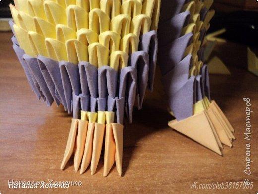 Расцветка необычная, потому что сделан из остатков модулей. Желтые модули 1/32 А 4 - 621 Фиолетовые 1/32 А 4 - 96 1/64 А 4 - 50 Бежевые 1/32 А 4 -145 1/64 А 4 - 41 Модули размером 1/64 А 4 идут на хвост, щечки, подбородок, ушки. фото 47