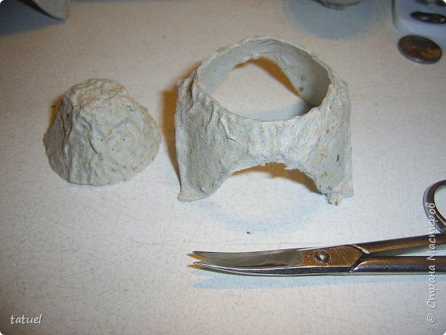 Всем привет.  На днях  придумала вариант изготовления мини-поросят.  Материал используется действительно бросовый. а результат радует.  Можно делать с петелькой для елки. Можно как игрушку. фото 7