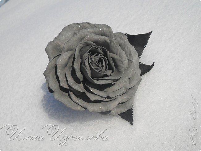 Розы из фоамирана(резиночки и заколки) фото 9