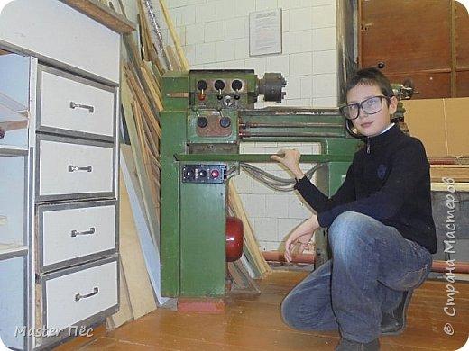 Здравия желаю! С выходными, Страна! Изготовил несколько изделий на токарном станке. Поскольку моим учителем технологии в школе является дедушка, он всегда мне помогает. Эти работы делал в этом учебном году. Картофелемялка, скалка и маленькая давилка (давить таблетки, ягоды). фото 3