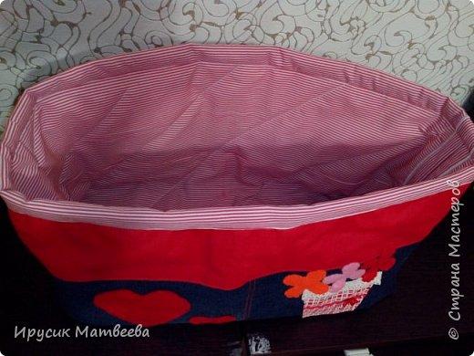 Моя корзина из джинсы и х/б ткани..декоративные сердечки и цветы из фетра. фото 2