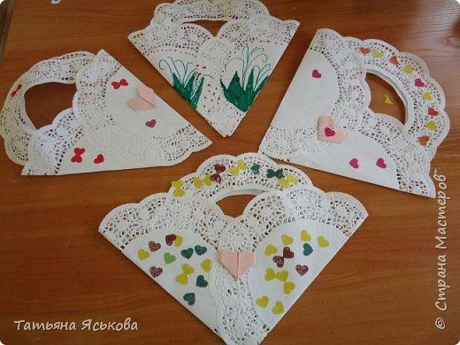 Всем привет Посмотрите какие чудесные сумочки валентинки сделали мои детки. фото 2