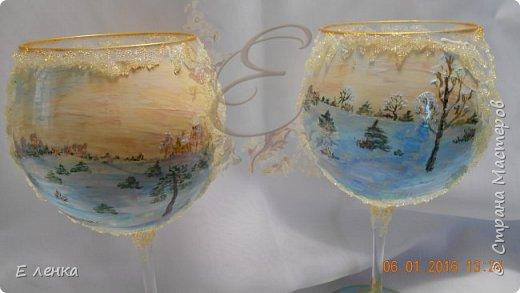 Стеклянные бокалы и вазочка из Икеи, роспись акрилом, на ножках поталь, хрустальная паста фирмы Сонет. фото 2