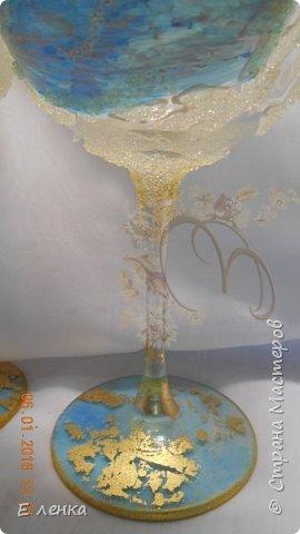 Стеклянные бокалы и вазочка из Икеи, роспись акрилом, на ножках поталь, хрустальная паста фирмы Сонет. фото 4