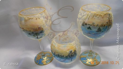 Стеклянные бокалы и вазочка из Икеи, роспись акрилом, на ножках поталь, хрустальная паста фирмы Сонет. фото 1
