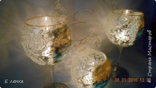 Стеклянные бокалы и вазочка из Икеи, роспись акрилом, на ножках поталь, хрустальная паста фирмы Сонет. фото 7