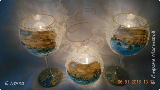 Стеклянные бокалы и вазочка из Икеи, роспись акрилом, на ножках поталь, хрустальная паста фирмы Сонет. фото 9