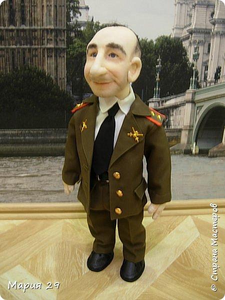 Портретная кукла выполнена на заказ в подарок супругу на 23 февраля. Рост 55 см фото 3
