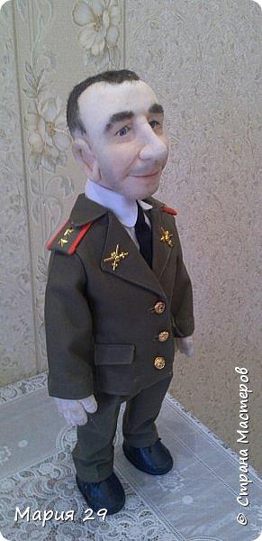 Портретная кукла выполнена на заказ в подарок супругу на 23 февраля. Рост 55 см фото 4