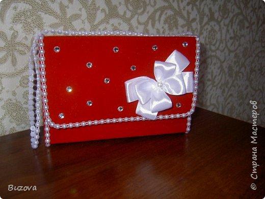 Вот такие коробочки - сумочки  начала делать в подарок подругам. Это подарочная упаковка для конфет. фото 3
