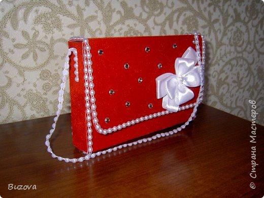 Вот такие коробочки - сумочки  начала делать в подарок подругам. Это подарочная упаковка для конфет. фото 4