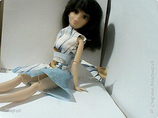 Привет СМ! Наконец-то мои руки дошли до Микки. Сегодня я ей сшила такой ромашковый комплект.Состоящий из : юбки и майки. Ну,а далее не большой фотосет. фото 12