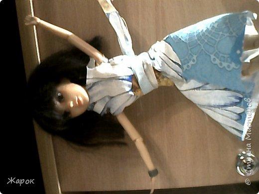 Привет СМ! Наконец-то мои руки дошли до Микки. Сегодня я ей сшила такой ромашковый комплект.Состоящий из : юбки и майки. Ну,а далее не большой фотосет. фото 4