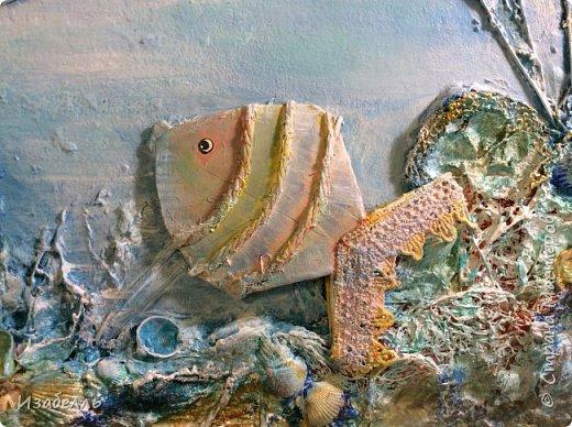 Материал для творчества всегда рядом с нами, самое главное найти идею и не отправить в мусор то, что нам еще пригодиться. Втулки от туалетной бумаги, у великих фантазеров, превращаются в произведения искусства.Сегодня из втулок мы будем делать чудо-рыб.Вот примеры разных пород фото 1