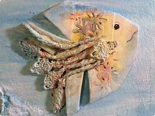Материал для творчества всегда рядом с нами, самое главное найти идею и не отправить в мусор то, что нам еще пригодиться. Втулки от туалетной бумаги, у великих фантазеров, превращаются в произведения искусства.Сегодня из втулок мы будем делать чудо-рыб.Вот примеры разных пород фото 12