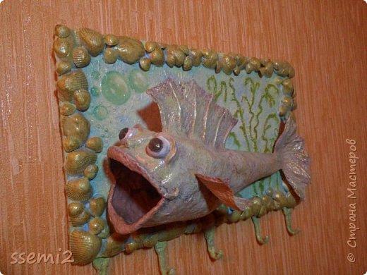 Попробовала сделать рыбу,  которых уже так много на сайте,  Теперь и моя добавилась.  Женихов и невест тоже хоть пруд пруди....   Так медленно грузятся картинки,  что забирают время на описание...  фото 1