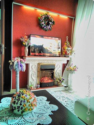 Вот такую вазочку связала в дополнение к интерьеру...))) Ну и цветочки из фома...))  фото 4