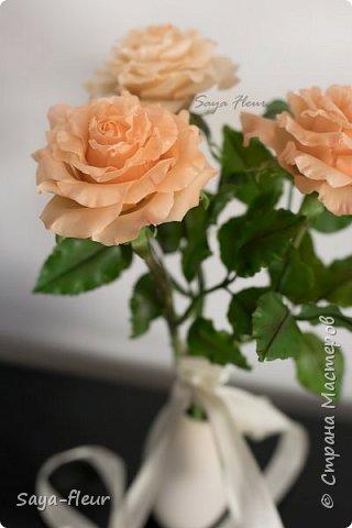 Здравствуйте, хотела бы показать свою работу, мои любимые розочки, стараюсь сделать соотношение качества и доступности, цветы пахнут настоящими розами. Сделаны из полимерной глины. фото 2