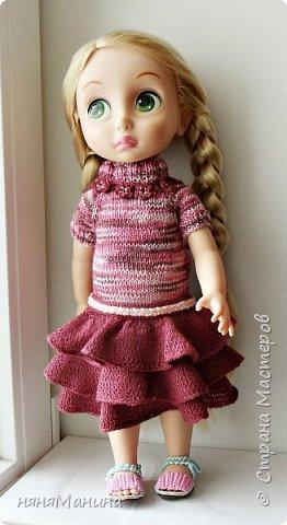 Продолжаю одевать своих кукол)))) Мерида от Дисней Аниматорс...туника связана по МК Ольги Тиунчик, штанишки - мои)))  фото 3